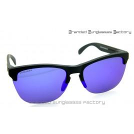 Oakley Frogskins Lite Prizm Polarized Sunglasses Matte Black Frame Prizm Amethyst Lens 63MM