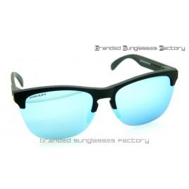 Oakley Frogskins Lite Prizm Polarized Sunglasses Matte Black Frame Prizm Turquoise Lens 63MM