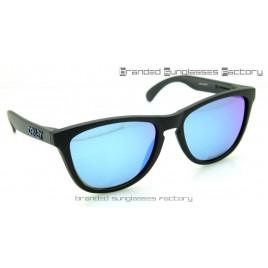 Oakley Frogskins Revert 95 55MM Sunglasses Matte Black Frame Blue Iridium Lens