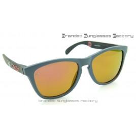 Oakley x STAPLE Frogskins STPL Pigeon Sunglasses Grey Frame Pink Iridium Lens